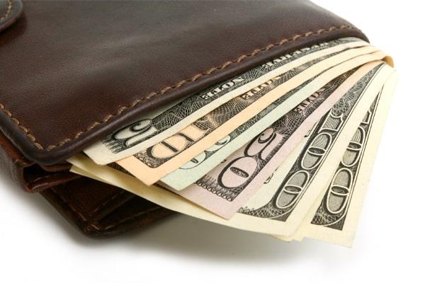 กระเป๋าเงิน ที่คุณใช้ควรเลือกสีใหม่เหมาะสมเพิ่มดวง